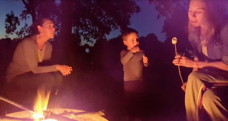 kampvuur marshmallows camping