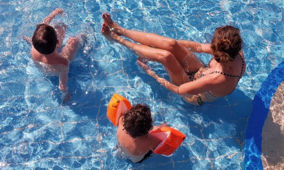 hoe-overleef-je-als-ouders-een-vakantie-met-kinderen-jonger-dan-4-jaar